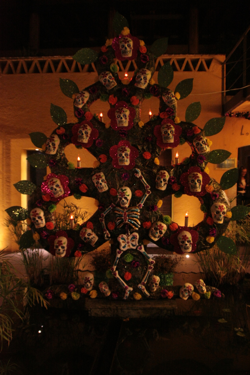 Day of the dead tree of life